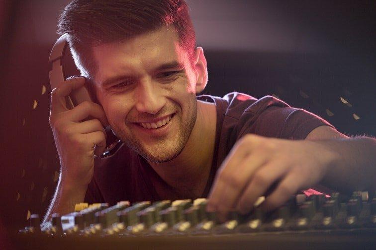 Música, no ruido, uno de los errores de gestión musical de tu negocio