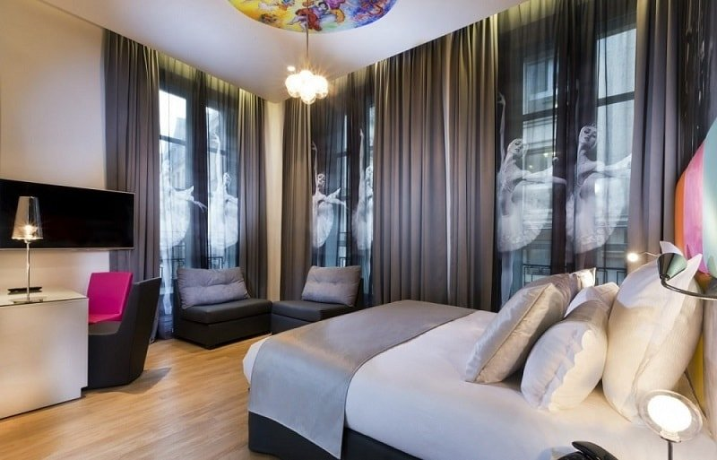 Hotel Lyric de París utiliza música para hoteles