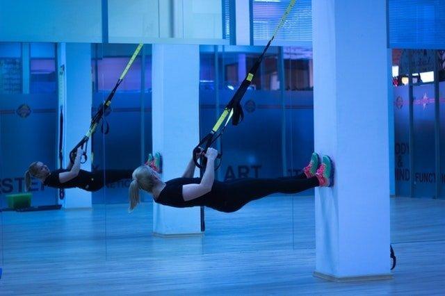 La música para gimnasios ayuda a la fluidez de movimientos