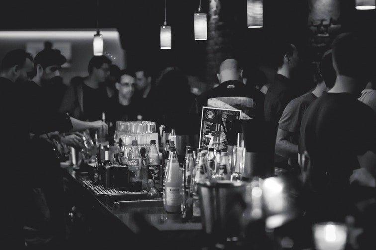 Multas SGAE a un bar por no pagar canon