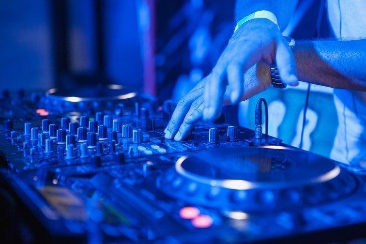 ¿Qué pasa si no pago SGAE?: Los requisitos que debe cumplir tu negocio para tener música legal